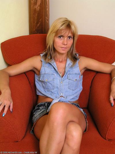 Monica Pulls Her White  Undies Aside Revelaing Meaty Bush