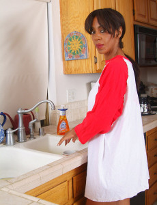 Black  Mom with Big Titties Hosed Down Her  Slit at the Sink
