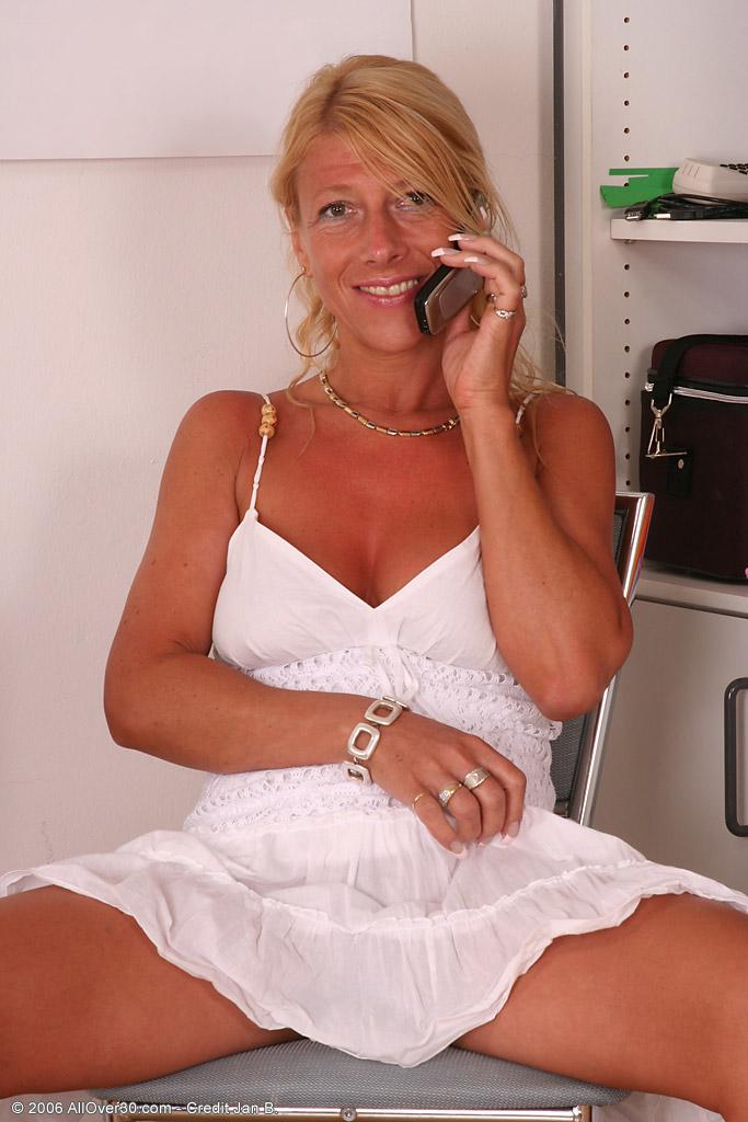 Sylvie allover30