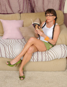Super  Super Crazy 47 Year Old Alexandra Silk Gets off After Reading a Dirty Book