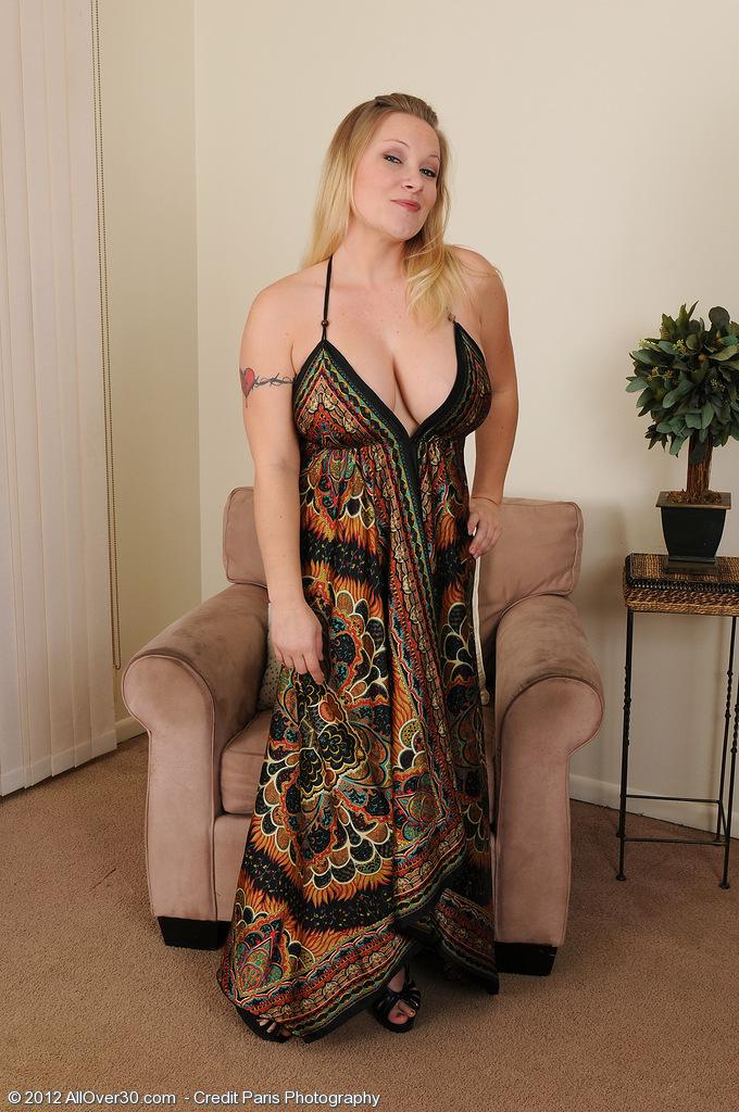 Big Breasted  Blond Mummy Allyza Blue Having Fun  Opening Up Her  Older Stunner Box