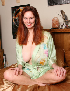 Super  Super  Super Horny Redheaded Breeze from  Milfs30 Gets Intimate with Her Dildo