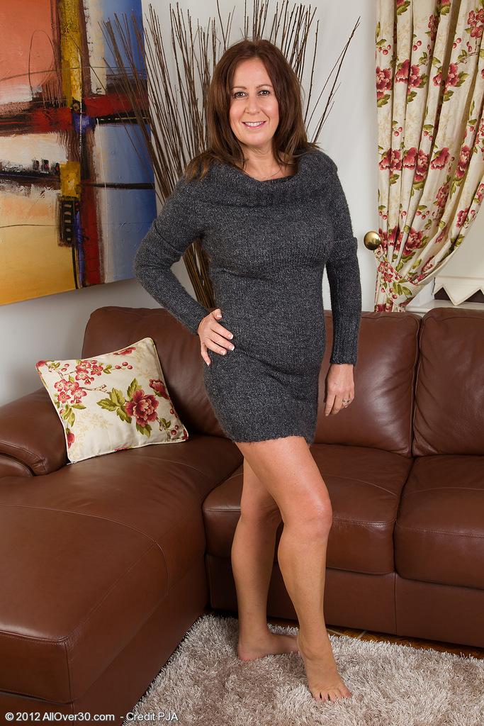 Sylvie 48 years old gangbanged - 2 10