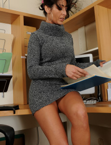 38 Year Old Coral Wants to Be  Super Hot in the Office So She  Takes off for You