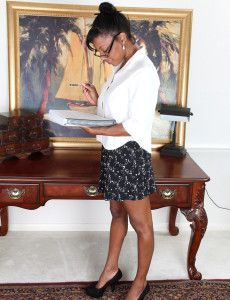 Super Hot Black Jayden from  Milfs30  Opens Her Pinkish Beaver on Her Desk