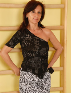 Skinny 46 Year Old Jenny H from  Milfs30  Opens Her Petite  Butt Broad