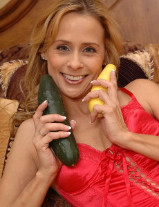 Super  Super  Super  Super  Super Horny Payton Coerces Vegitables into Her  Mom   Donk and  Loves It