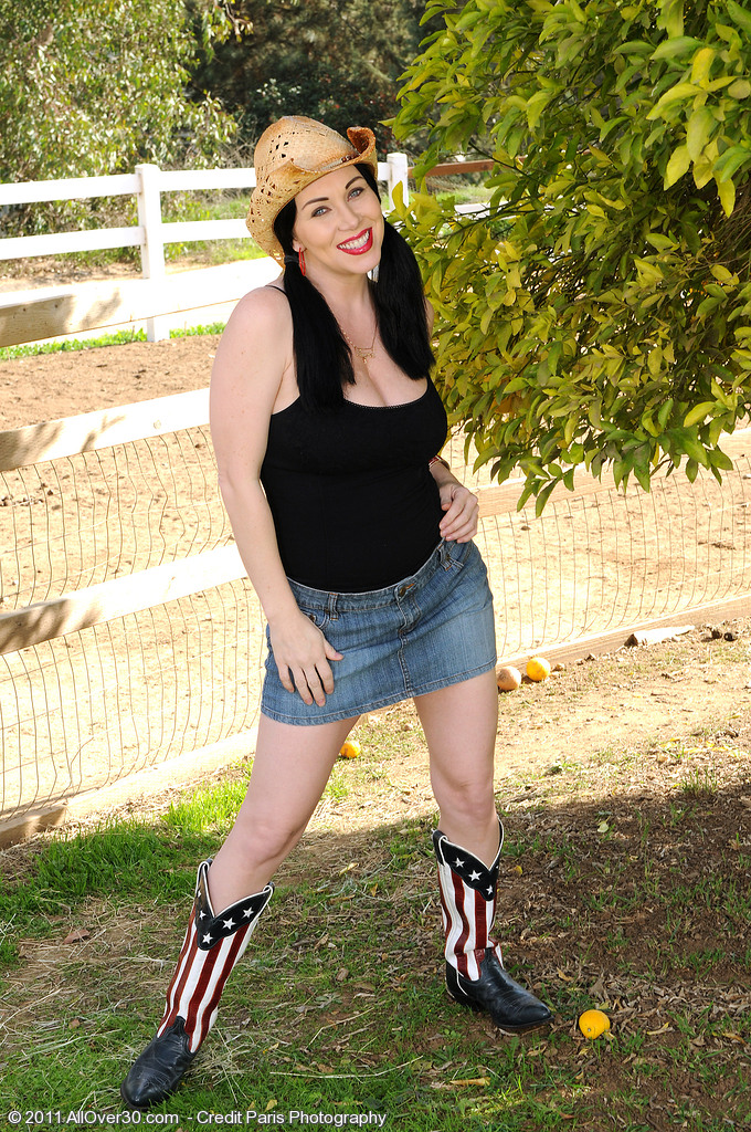 Super  Super  Super  Super Horny  Brown Haired Rayvaness from  Milfs30 Getting Down on the Farm