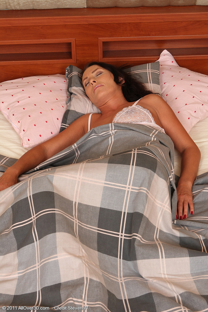 Brown Haired  Mom Sandy K Gets Woken Up and Puts on a Show for You
