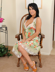 Cool and Exotic  Brown Haired  Cougar Sophia Bella Posing  Naked Here