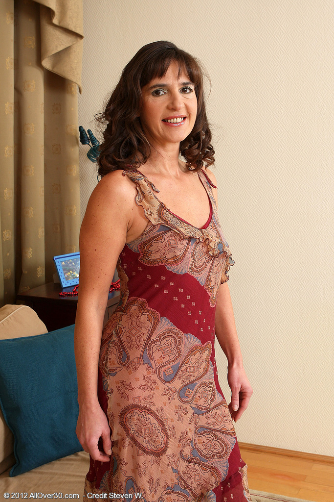 47 Year Old Suzie from  Milfs30 Sheds Her Dress and  Opens Her  Cunt