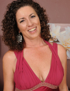 45 Year Old Tammy Sue Glides off Her Elegant Dress and Poses in Here
