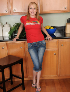 Blond Haired  Wife Willow Slips out of Her Jeans and Fingers Her Cage