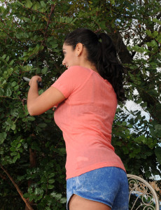 Tight Bodied and 33 Year Old Bianca Mendoza in the Yard  Opening Up