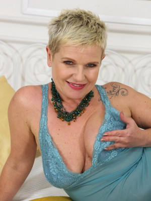 Czech Milf Deide J Glides off Her Blue Underwear and Opens Up Her Twat
