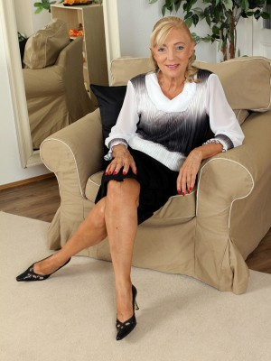 At 65 Years Old Kamilla Enjoys to Spread Her Gams for the Cameraman