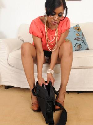 30 Year Old Secretary Yasmine Deleon from  Milfs30 Inserts Pearls