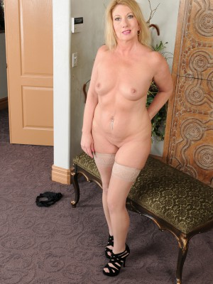 44 year old wife finally gets 1st bbc - 1 7