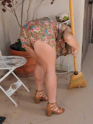 37 Year Old Marie Micheals Disrobes and Stretches Her  Hoo Ha Regarding the Patio