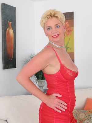 Blond Haired 47 Year Old Taylor Lynn in Red Undies Opening Up Her Extended Hips