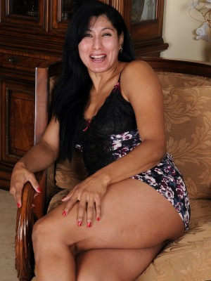 43 Year Old Estrella Jane Stretching Her  old Babe Pink the Camera
