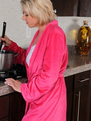 53 Year Old Payton Hall  Opens Her  Old Pussy in Kitchen