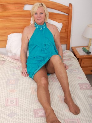 49 Yr Old Sabine Jamming a sizable Blue Magic Wand in to the girl  Older Babe Box