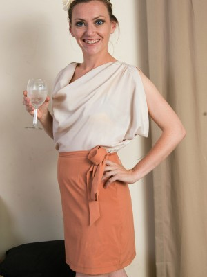 Elegant Milf Amber K from  Milfs30 Pulls at the woman 33 Yr Old  Hoo Ha