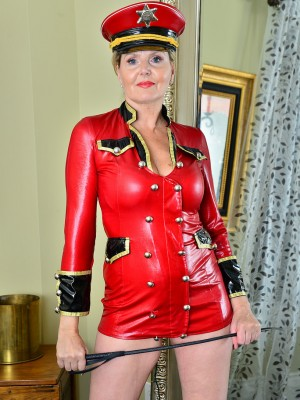 Older Babe Babe Velvet Skye is All Decked out and capable hand out Some Punishment