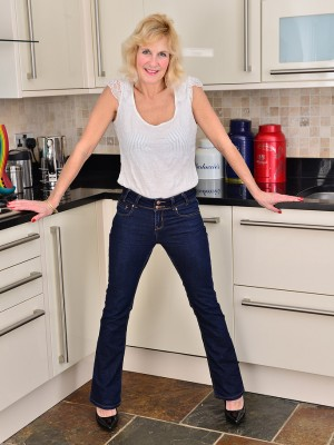 Huge-chested  Blond Haired Molly Maracas Slides from Female Denim and Flashes in Kitchen