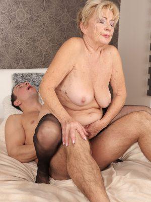 hefty horny mature women