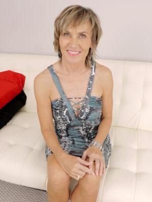 Older Mama Lillian Tesh Opens Up The Woman Long Gams