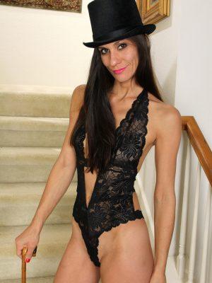Miranda Thompson Classy Top Hat
