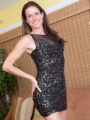 Leggy Milf Sofie Marie