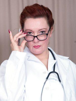 Kinky Doctor Jessica Ohare