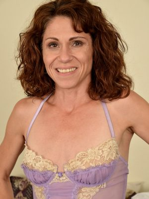 Hot Milf Sage Quest in Thong
