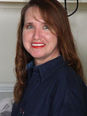 Terri Pazelli Does the Laundry