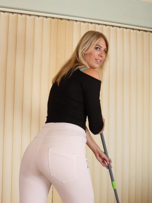 Blond Haired Babe Jentina Puny