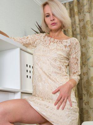 Slender  Blond Artemia Jerks