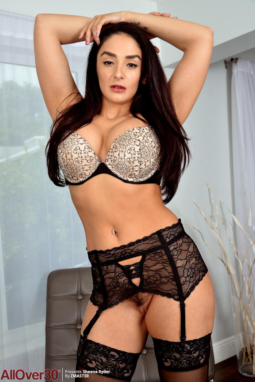 big-tits-beauty-sheena-ryder-02