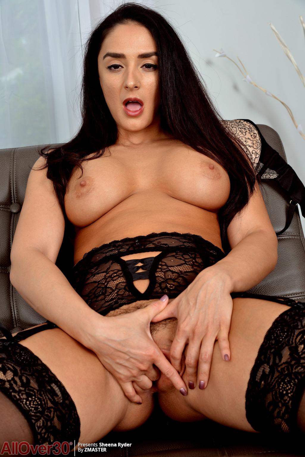 big-tits-beauty-sheena-ryder-14