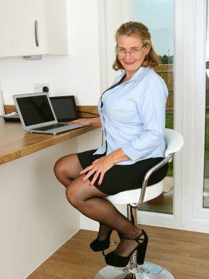 Camilla Horny Huge-Chested Secretary
