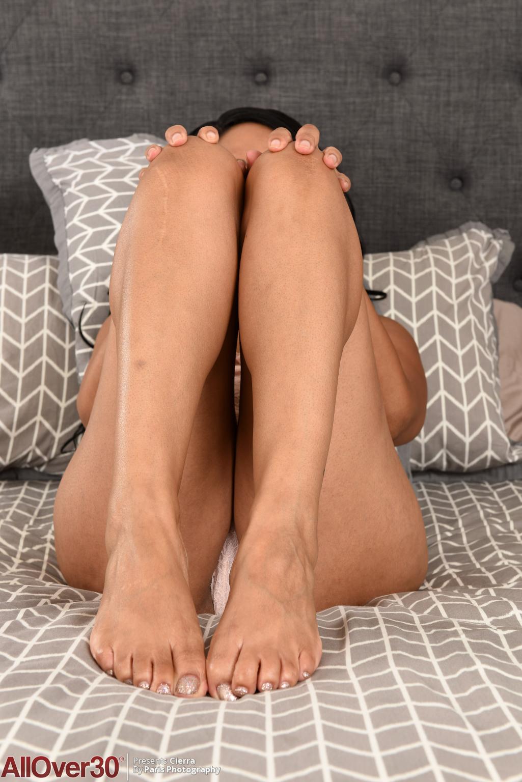 cierra-cute-feet-06