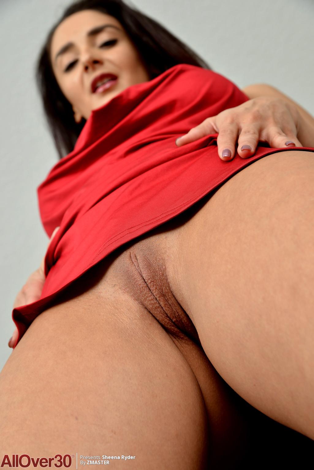 sheena-ryder-satin-slip-03