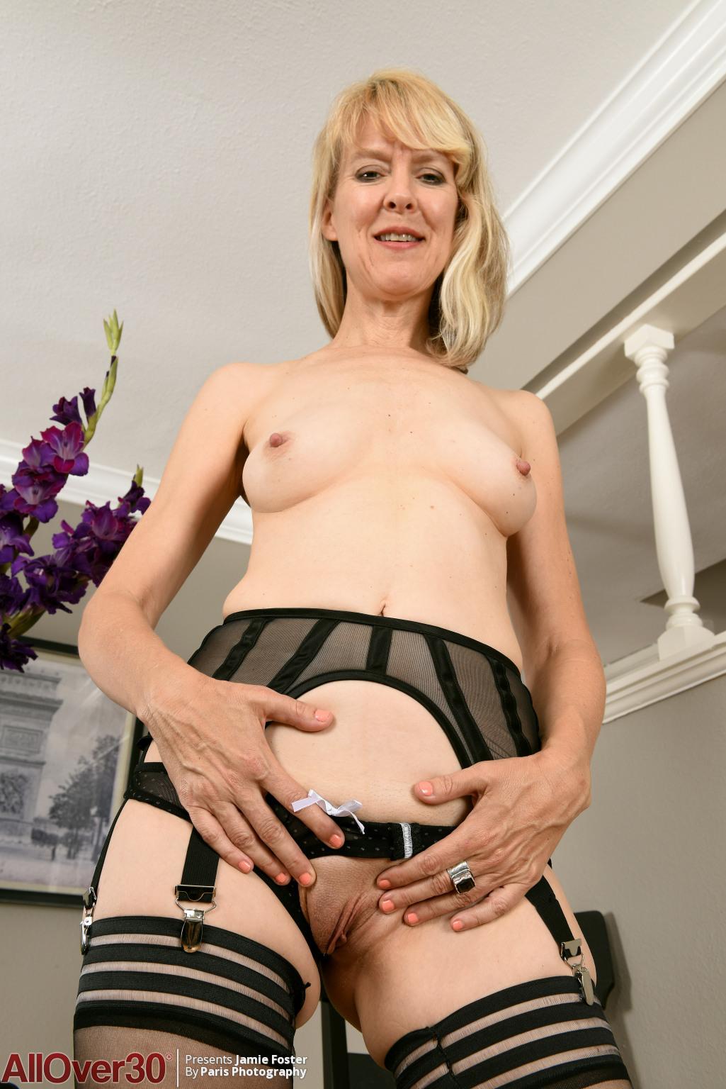 jamie-foster-sexy-stockings-09