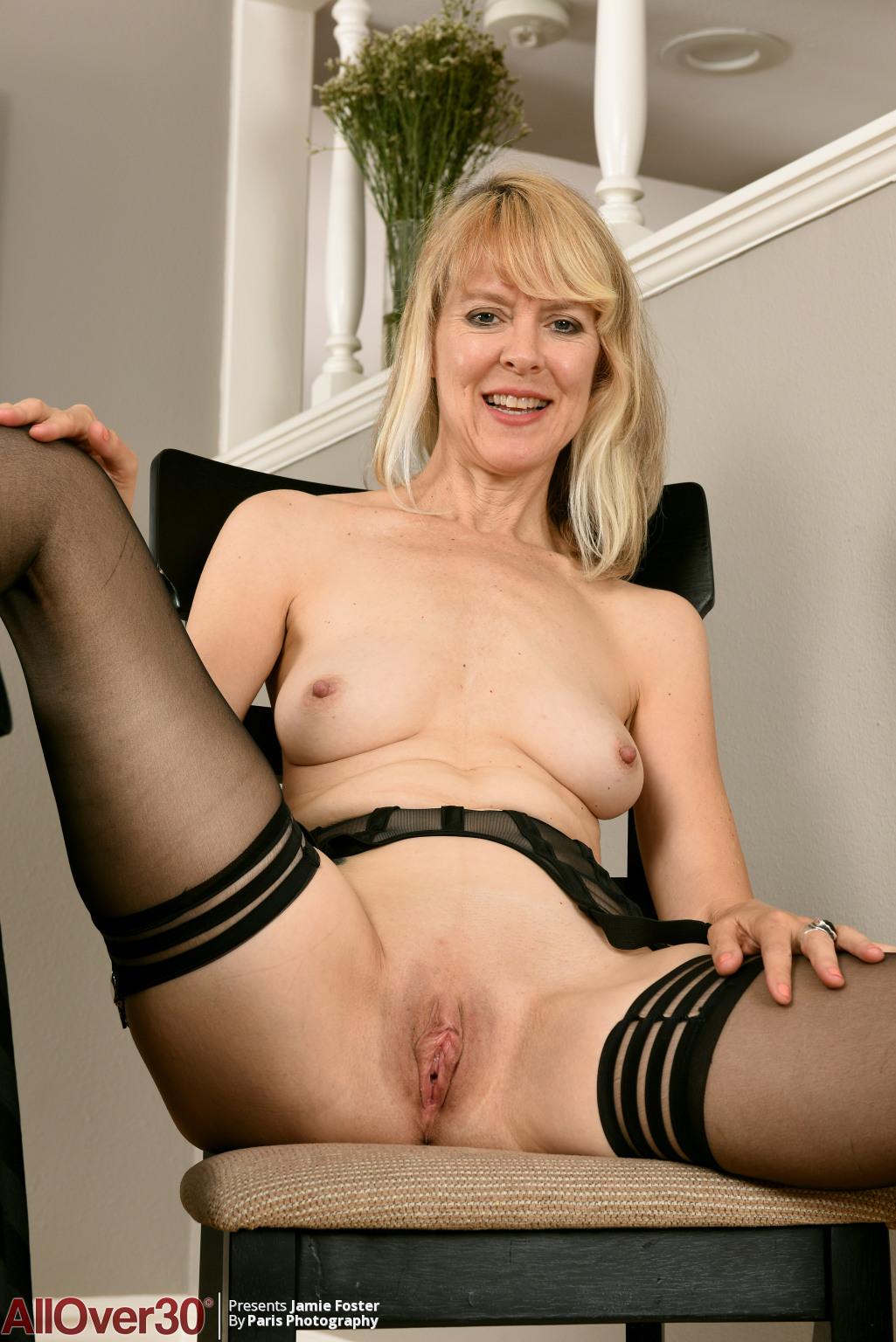jamie-foster-sexy-stockings-12
