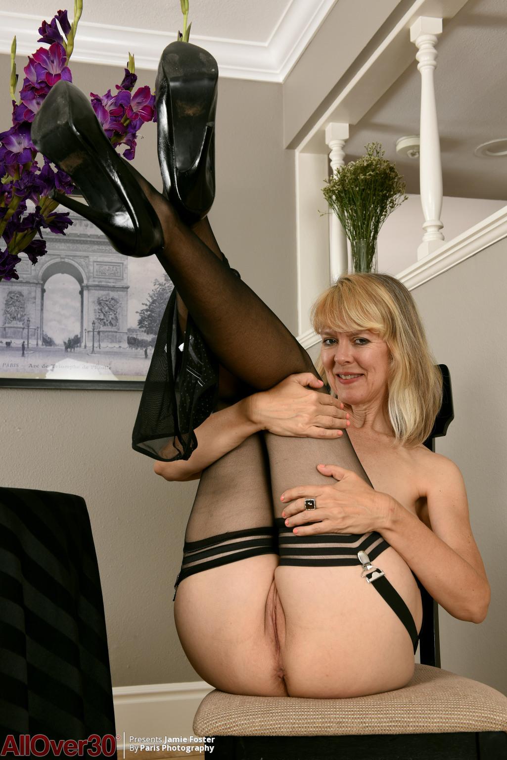 jamie-foster-sexy-stockings-13