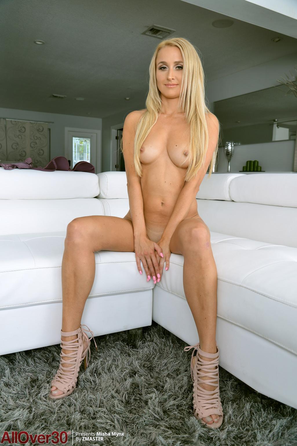 misha-mynx-perfect-breasts-14